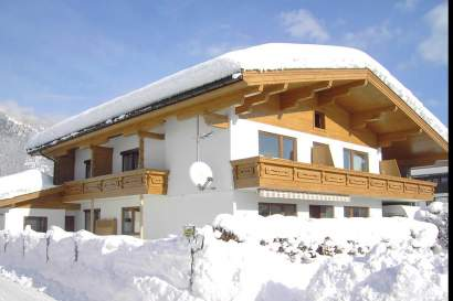 01b_appartement_fischer_haus_winter.jpg